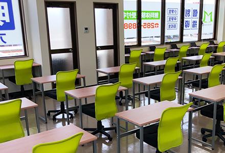 教室内には個別学習が出来るスペース。